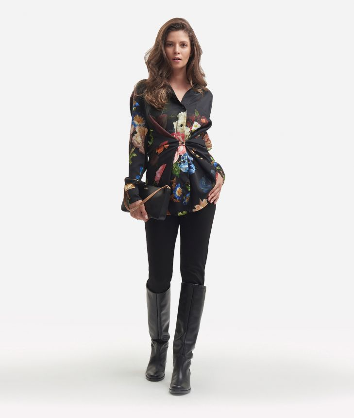 Twill shirt with baroque flower printColor: Black</li,front