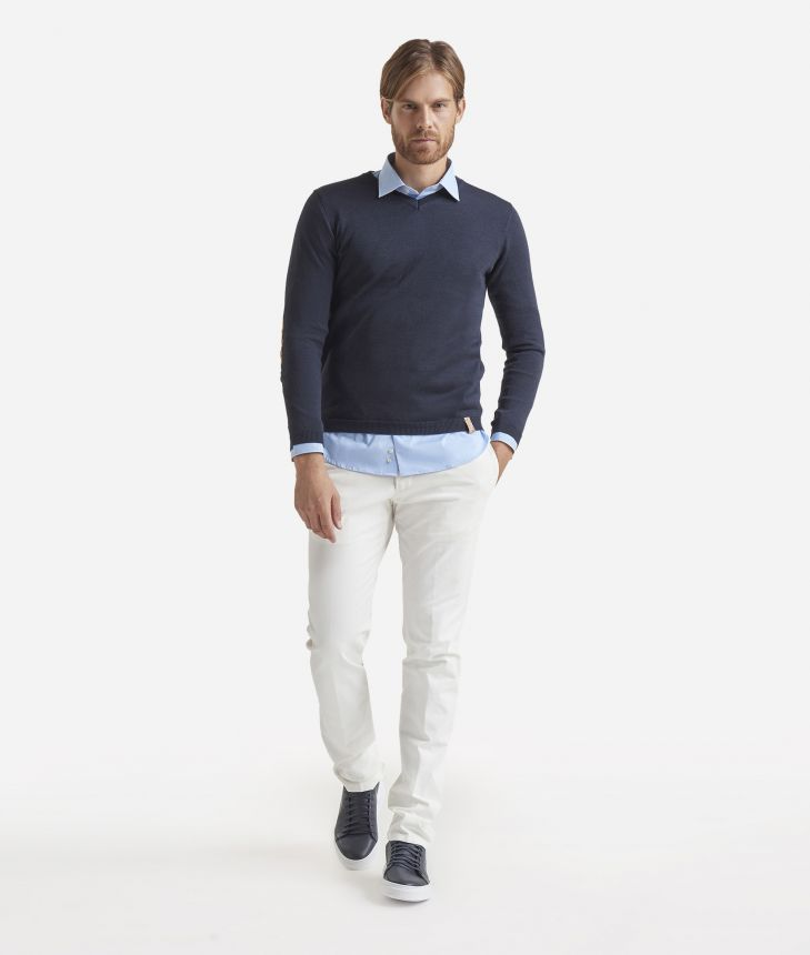 V-neck wool sweater with Geo Classic patches Blue,front