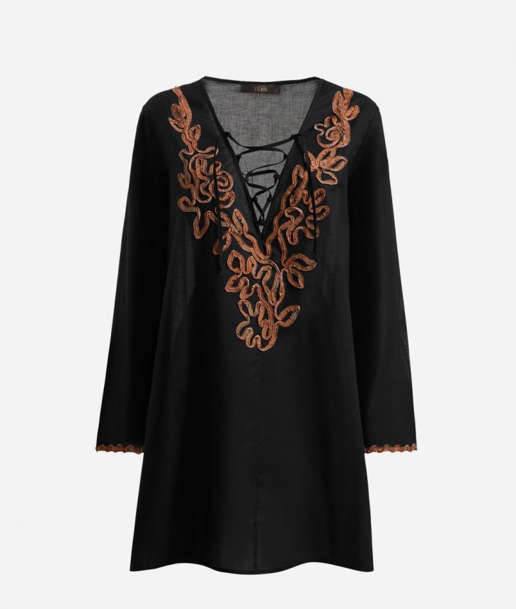V-neck Kaftan with Geo Classic embrodery details,front
