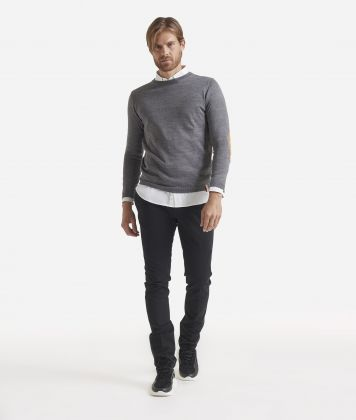 Crewneck wool sweater with Geo Classic patches Grey