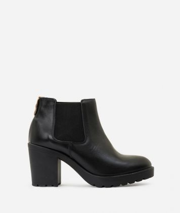 Leather ankle boots with elastic band Black