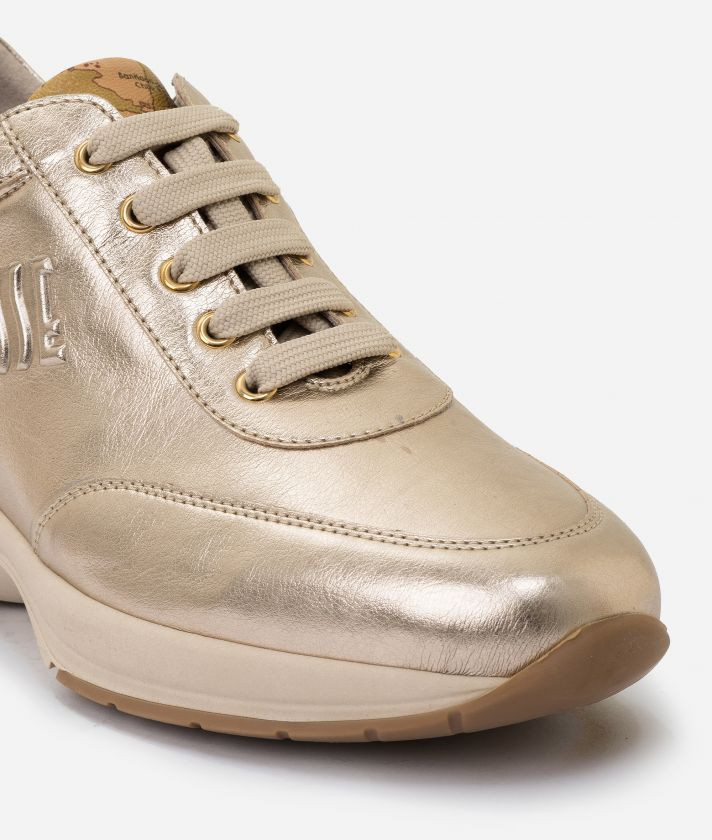 Geo Crossing sneaker in pearly eco-leather Nude