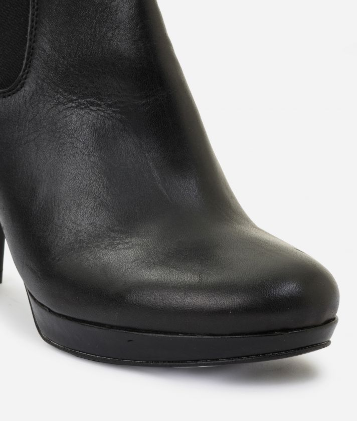 Leather ankle boots with platform Black