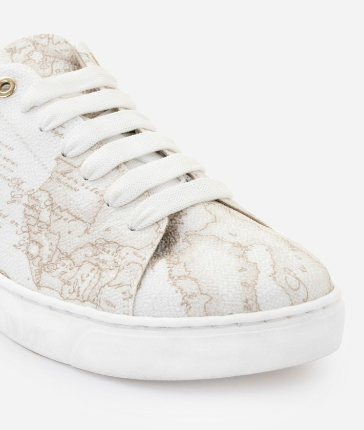 Sneaker in Geo White print fabric