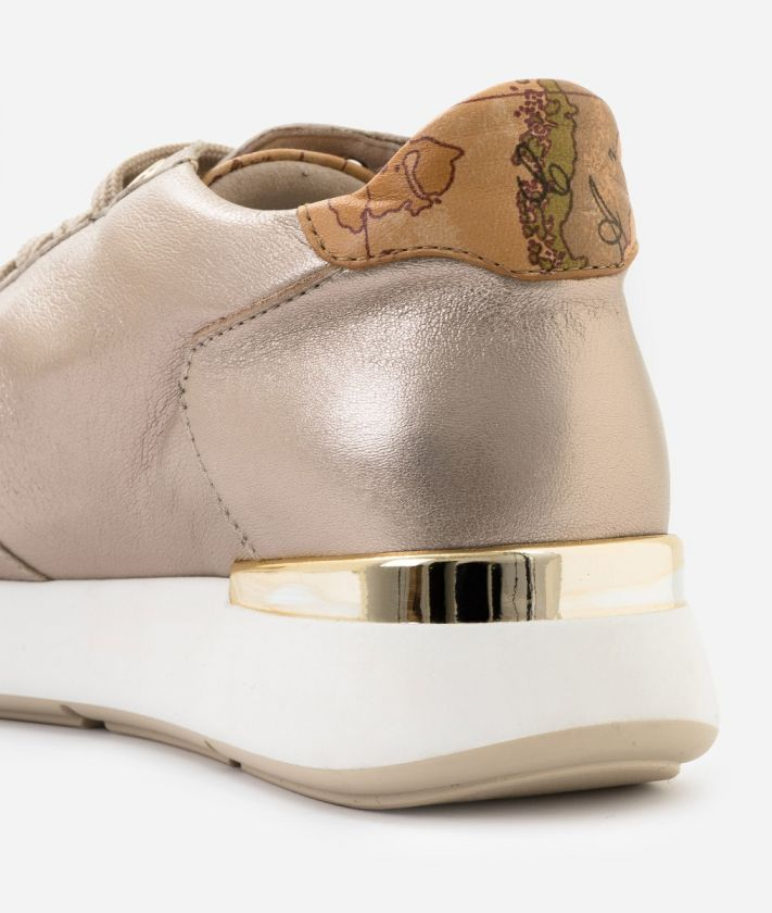 Sneaker in laminated nappa Nude
