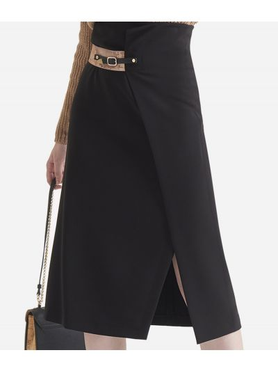 Asymmetrical skirt in stretch fabric
