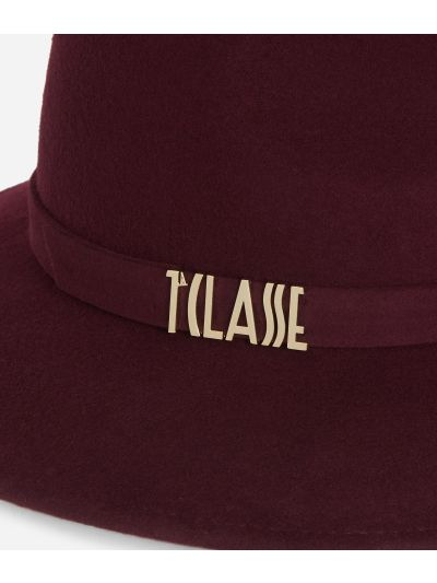 Casual felt hat with lettering logo Cabernet