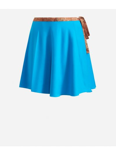 Crêpe fabric skirt wirh Geo Classic details Light Blue